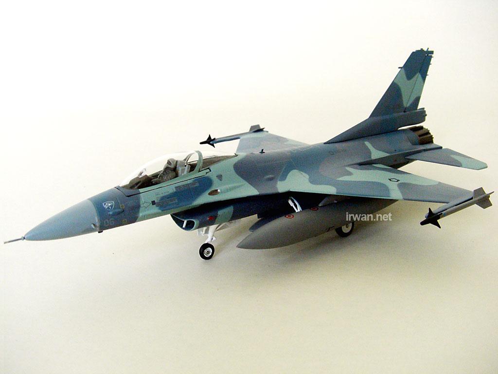 diecast-pesawat-f16-tni-au
