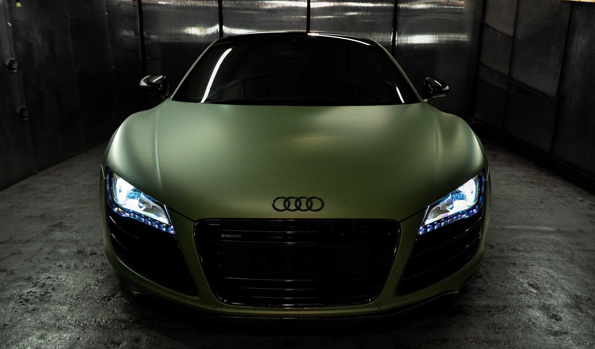audi-r8-gets-matte-green-wrap_1