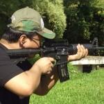 Nyoba Nembak Senjata Api Senapan Serbu dan Pistol