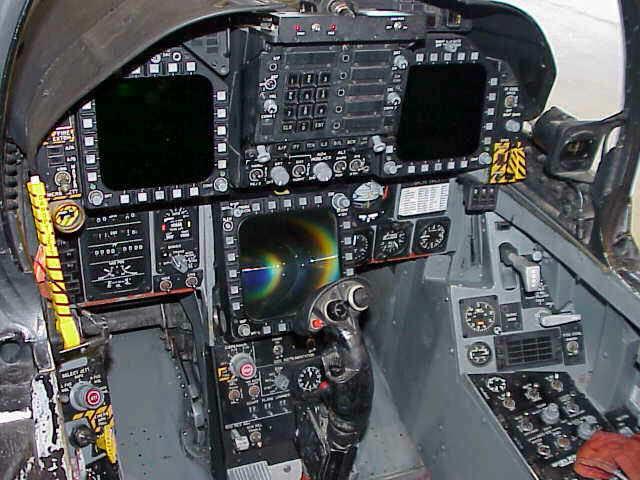 Melihat-lihat Cockpit F/A-18D Hornet