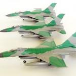Mencoba Merakit Tiga Model Kit F-16 Sekaligus