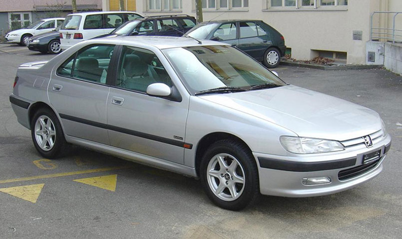 Perbedaan Peugeot 406 D8 dan Peugeot 406 D9