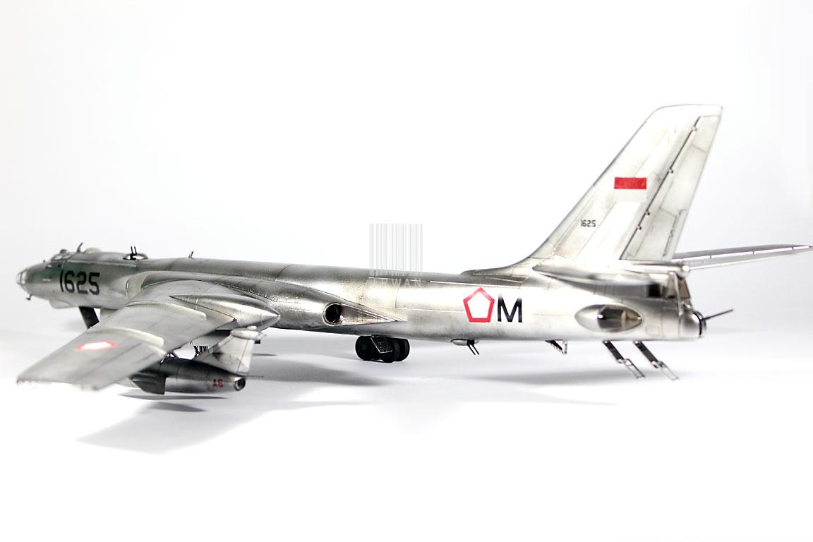 Model Kit TU-16